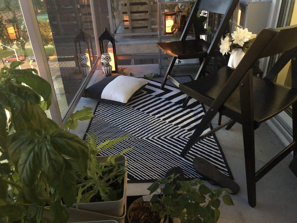 vue de gauche du balcon en soiree