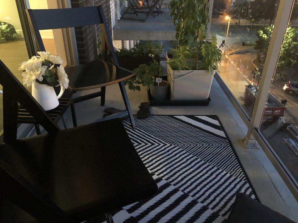vue de droite du balcon en soiree